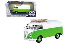 MOTORMAX VOLKSWAGEN TYPE 2 (T1) DELIVERY VAN GREEN/WHITE 1:24 CAR  79551