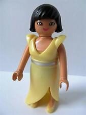 Playmobil Dollshouse/Wedding guest figure: Lady in yellow gown NEW