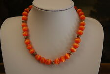 VINTAGE STRAND OF ORANGE CATS EYE CRYSTAL BEADS & GOLD TONED METAL BEAD NECKLACE