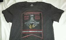 Men's Large Chicago Blackhawk NHL Hockey Stanley cup T-Shirt Level wear