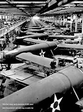 VINTAGE PHOTOGRAPHY ASSEMBLY LINE B-240D'S MANUFACTURE BOMBER 1942