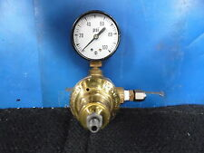 AIRCO / AIR REDUCTION INC. COMPRESSED GAS REGULATOR WITH 0-100 PSI GAUGE