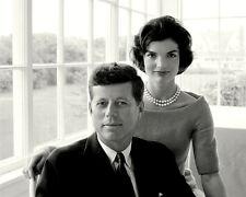 """JOHN F. KENNEDY WITH HIS WIFE JACQUELINE """"JACKIE"""" - 8X10 PHOTO (ZZ-055)"""