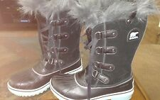 preowned Sorel winter boots size 5