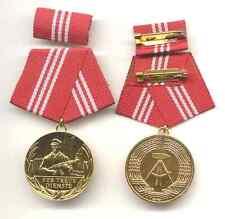 Medaille 20 Jahre Für treue Dienste Kampfgruppe gold, ungetragen
