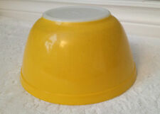 Vintage-PYREX '68; Daisy Deep-Yellow on Opal-White M-G; Nesting Mixing Bowl; 402