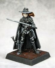 Vampire Hunter 60164 - Pathfinder - Reaper MiniaturesD&D Gaming Unpainted