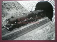 PHOTO  8 X 6 IN - GWR KING CLASS LOCO ENTERING MUTLEY TUNNEL