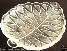 "Crystal  Frosted Pretzel Olive 7"" Leaf-Shaped Plate"