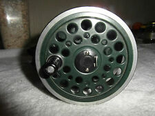 "good vintage JW youngs beaulite 1500 salmon fly fishing reel 4.25"" + case"