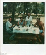 POL807 Polaroid Photo Vintage Original famille groupe pique nique table