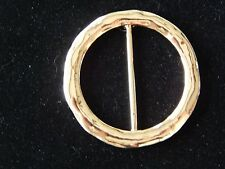 NWT WOMENS PRETTY ROUND GOLD HAMMERED SCARF RING/SLIDER/HOLDER/CLIP/JEWELRY