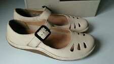 CLARKS ACTIVE AIR BEIGE MARYJANE SHOES UK 5.5 D NEW WITH BOX