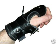 2 HEAVY DUTY  LEATHER LOCKING WRIST Bondage Cuffs Restraints