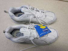 DR SCHOLLS Womans Size 10 Wide white leather athletic shoes- NEW