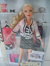 RARE 2011 GORGEOUS STAR DOLL BARBIE BLONDE GIRL WITH A TWEED BLOUSE + $ 100 CARD