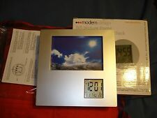 Modern Design 3x5 photo Frame with Rotating LCD clock New in Box