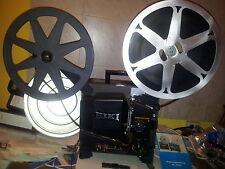 16mm EIKI SL Filmprojektor mit Objektiv 16-1,5 f = 25mm Festbrennweite (Rarität)