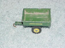 ERTL 1/16 JOHN DEERE LAWN AND GARDEN TRAILER