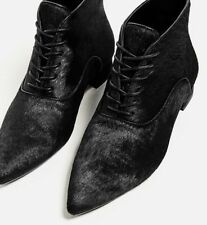 NE ZARA flat leather ankle boots.....EU37...size US7