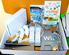 Blanco Nintendo Wii PAL consola, 2 controles remotos 2 Nunchucks 24 Juegos Wii Sports & Play