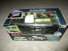 American Muscle Happy Days Body Shop '57 1957 Chevy Cameo Pickup 1:18 Scale MIB