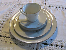 NORITAKE Contemporary China COQUET 2981 DINNER SALAD BREAD PLATE SAUCER TEA CUP