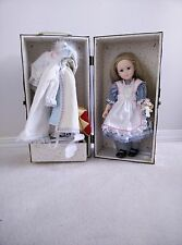 Vintage Robin Woods Alic in Wonderland Doll 1988. Trunk,clothes and accessories