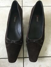 Ecco Ladies Brown Suede Heeled Court Shoes Size 39 / 6. Great Condition.