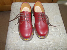 Dr marten chaussures taille 3
