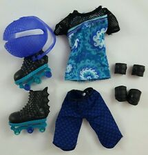 Monster High Gil Webber Outfit from Wheel Love Set Clothes Shirt Shorts Skates