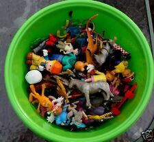65 MIXED FIGURINES. SOLDIERS, DINOSAURS, ANIMALS, CHARACTERS, ETC..HAVE FUN!!!