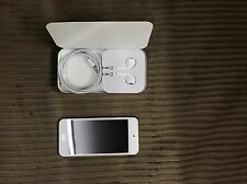 Apple iPod touch 6th Generation Gold (32 GB)
