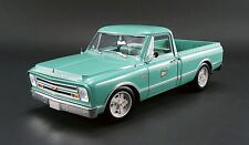 Acme 1:18 1967 Chevrolet C10, Holley Speed Shop