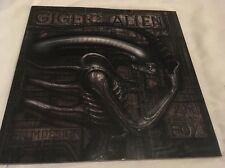 H R GIGER RIDLEY SCOTT GIGER'S ALIEN DELUXE TITAN BOOKS LARGE COFFEE TABLE BOOK