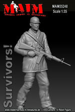 1/35 Scale Resin kit Survivor with Rucksack and M-4 Rifle - Zombie wars model