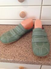 GREAT FLY OF LONDON GREEN LEATHER SLIP ON MULES UK SIZE 6.5 WORN GOOD CONDITION