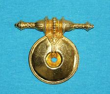 superbe broche CESAREE en métal doré gravé à l'intérieur NOBILIS 1992