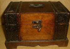 NICE SOLID WOOD BOX/CHEST
