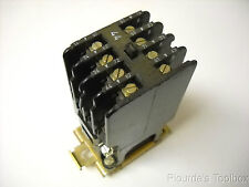 Used Siemens 4NO 4NC 4 Amps 600VAC Contactor, 3TA63 10-0A-Z ULR