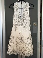 NWT Alice + Olivia $798 Steffy Low V-neck Plunge Embroidered Tulle Dress