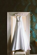 Suzanne Neville Designer Bespoke 'Lily' wedding dress UK size 8