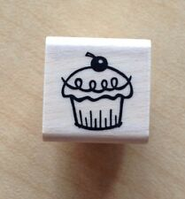 A MUSE Artstamps Amuse Rubber Stamps stamp Cupcake