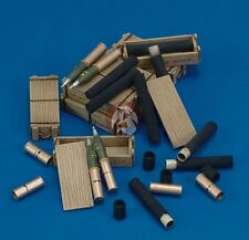 Royal Model 1/35 105mm Ammunition with Cartridges, Shells and Wooden Cases 424