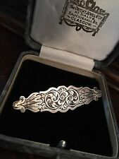 UNUSUAL ANTIQUE VICTORIAN STERLING SILVER ENGRAVED DESIGN BROOCH /PIN