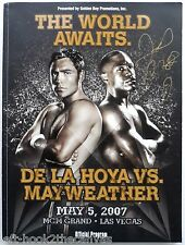 2007 FLOYD MAYWEATHER JR v OSCAR DE LA HOYA fight program signed by Mayweather