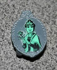 DISNEY PIN HAUNTED MANSION STRETCHING PORTRAIT ROOM'S LADY WITH A ROSE