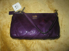 NWT COACH MADISON 48522 DIAGONAL VIOLET PATENT  LEATHER LARGE WRISTLET