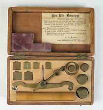 Boxed hand scale and apothecary weights F. A. Thiele, Copenhagen, Denmark c1900