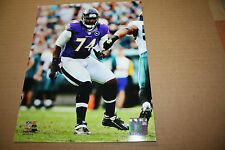 BALTIMORE RAVENS MICHAEL OHER UNSIGNED 8X10 PHOTO POSE 2